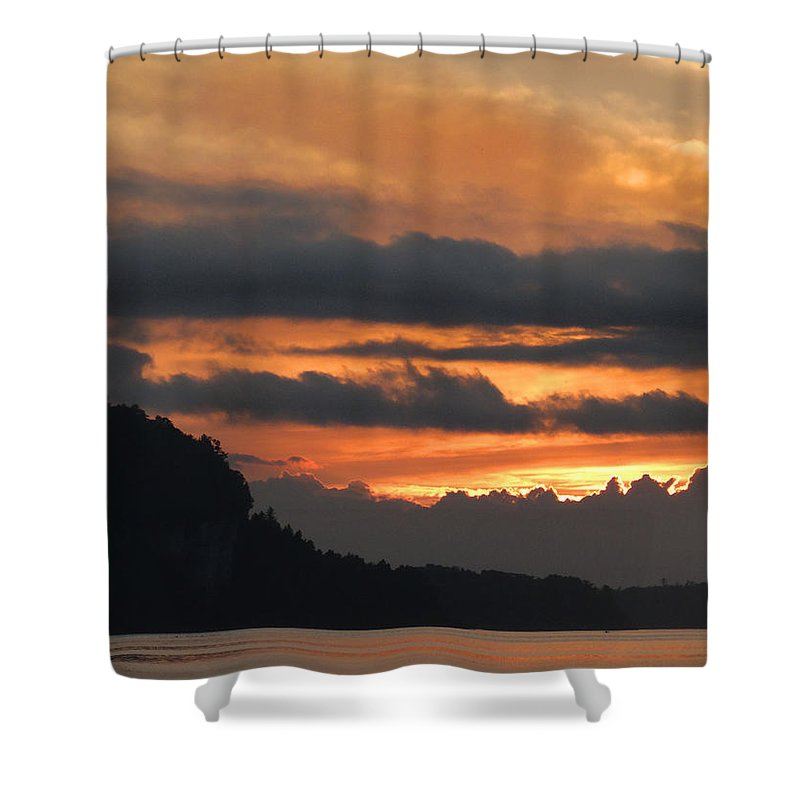 Eagle Tower Shower Curtain featuring the photograph Eagle Bluff Sunset by David T Wilkinson