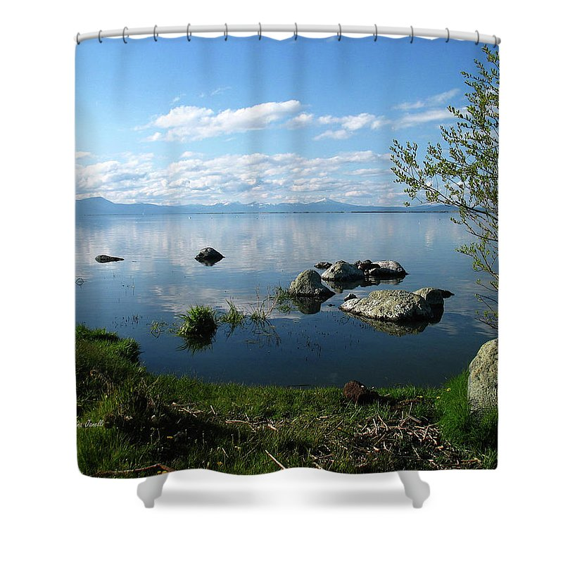 Cascade Mountains Shower Curtain featuring the photograph Eagle Ridge View by Gina Janelli