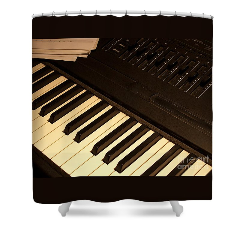 Keyboard Shower Curtain featuring the photograph Electronic Keyboard by Ann Horn
