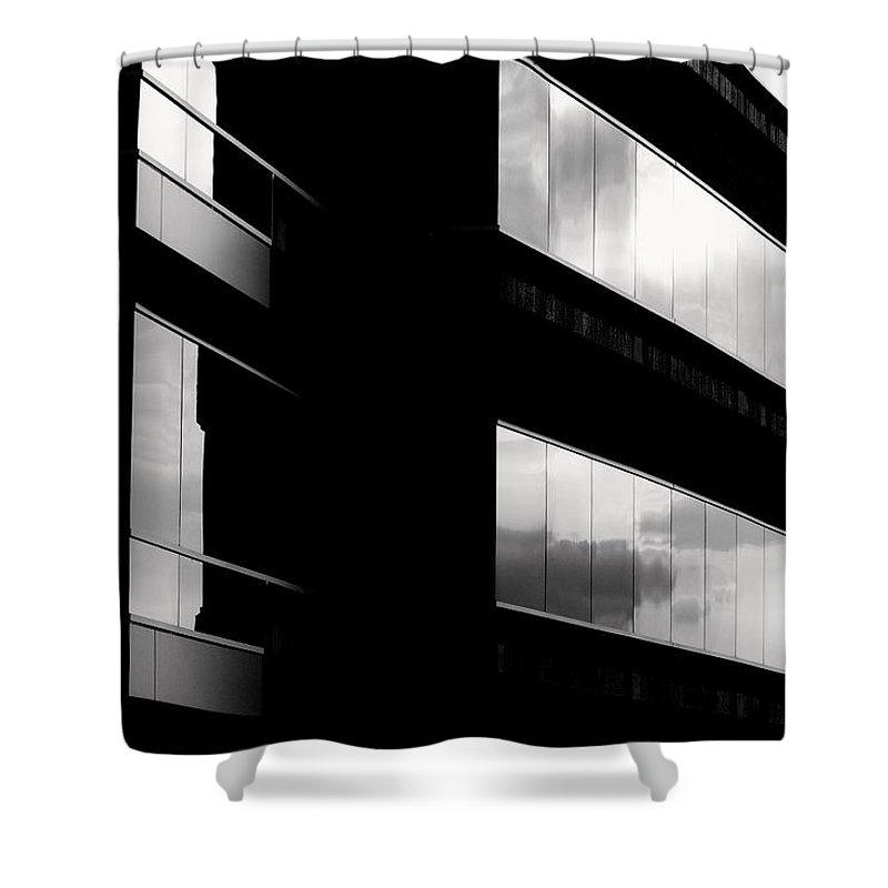 Exquisite Edificio Shower Curtain featuring the photograph Exquisite Edificio by Ed Smith