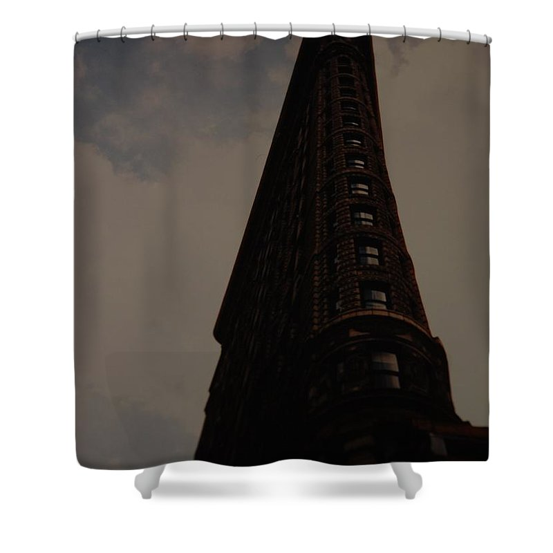 Flat Iron Building Shower Curtain featuring the photograph Flat Iron Building by Rob Hans