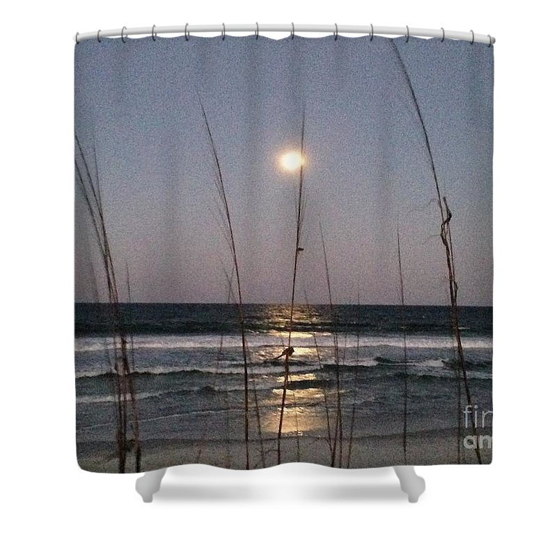 Moon Shower Curtain featuring the photograph Full Moon Rising by Tammie Mohn