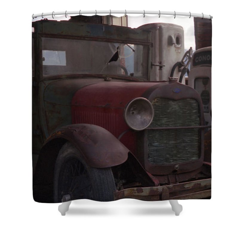 Gas Station Shower Curtain featuring the photograph Full Service by Richard Rizzo