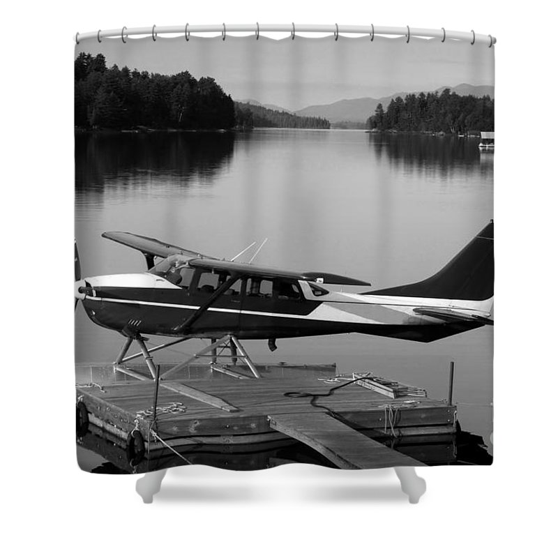 Float Plane Shower Curtain featuring the photograph Getting Away by David Lee Thompson