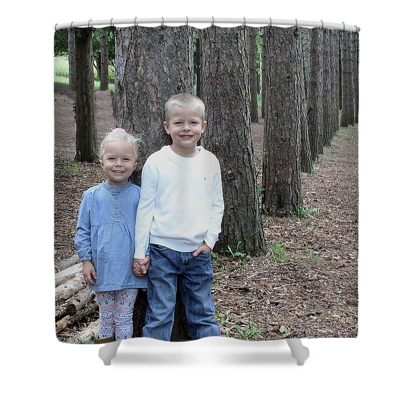 Shirleys 9-2016 Shower Curtain featuring the photograph Gls Image 5133 by Gayle Scheel