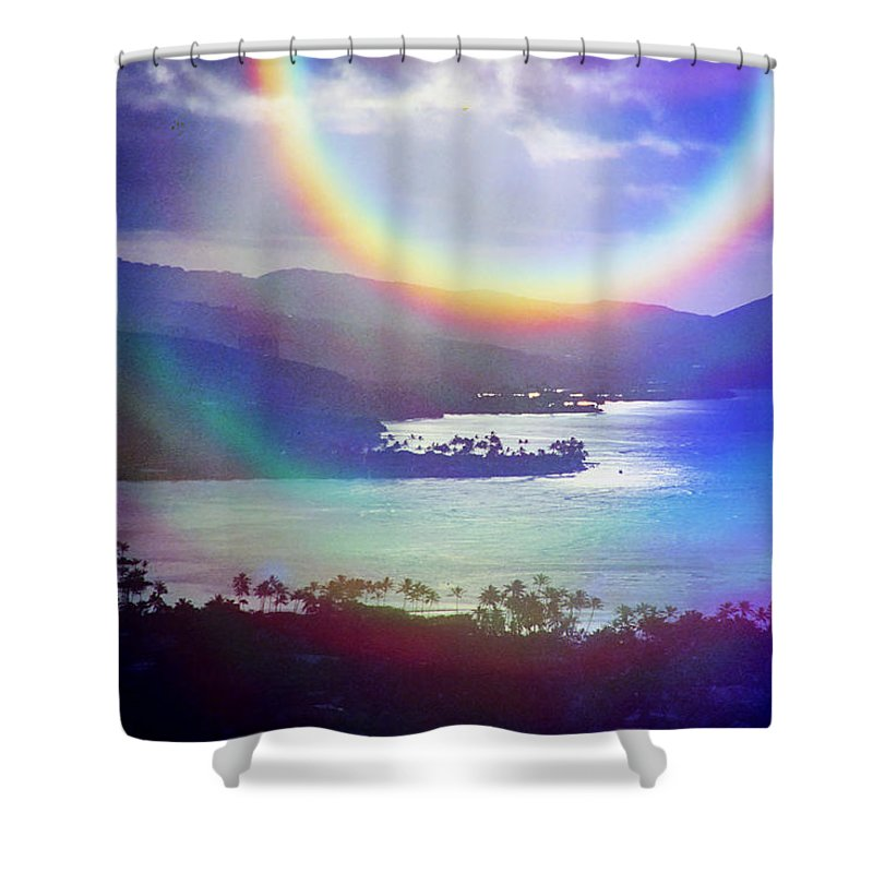 Maunalua Bay Shower Curtain featuring the photograph Gods Eye by Kevin Smith