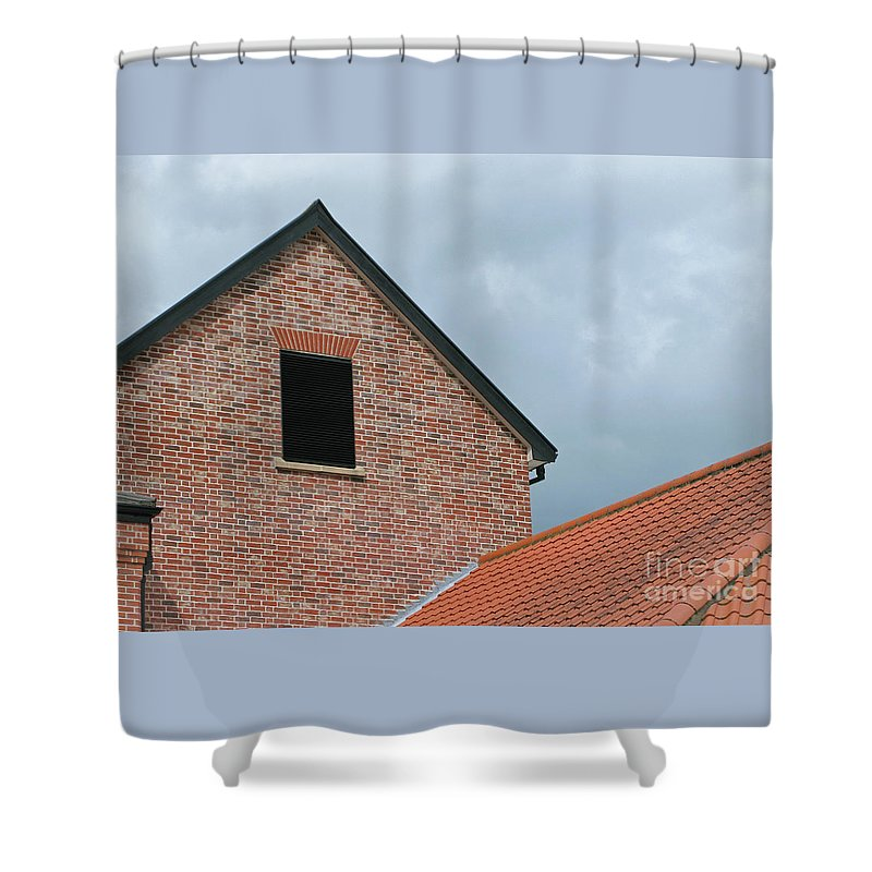 Brick Shower Curtain featuring the photograph Grey Skyline by Ann Horn