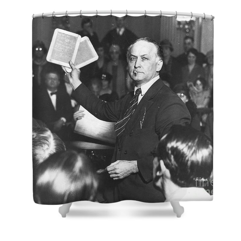 1926 Shower Curtain featuring the photograph Harry Houdini (1874-1926) by Granger