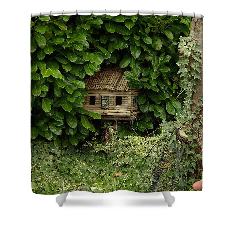 Hide Shower Curtain featuring the photograph Hidden Birdhouse by Cindy Johnston