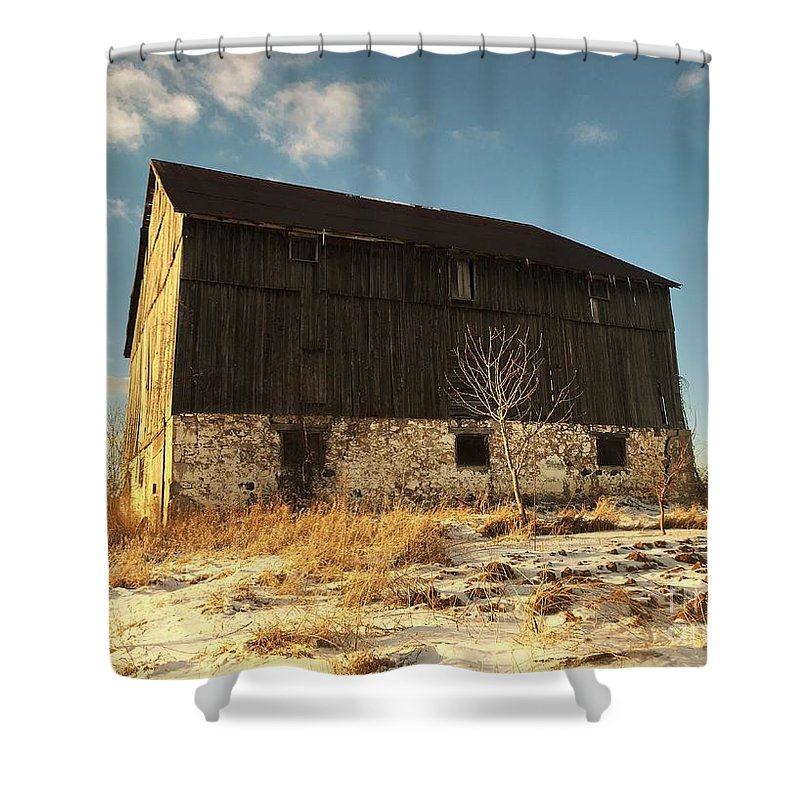 Winter Barn Shower Curtain featuring the photograph Hill Top Barn by Anthony Djordjevic