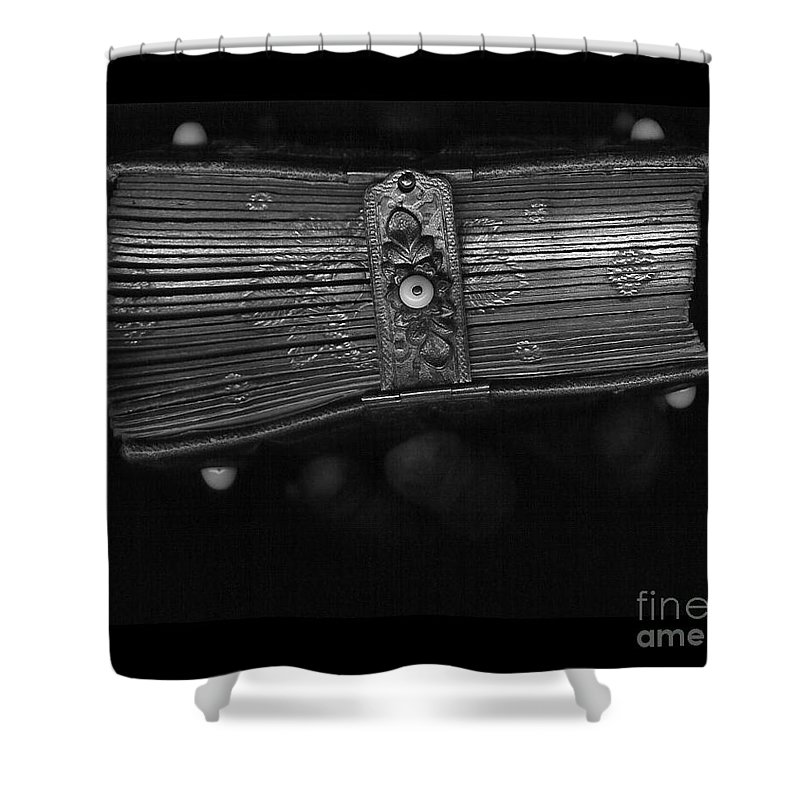 Family Shower Curtain featuring the photograph Holding Time - 1 by Linda Shafer