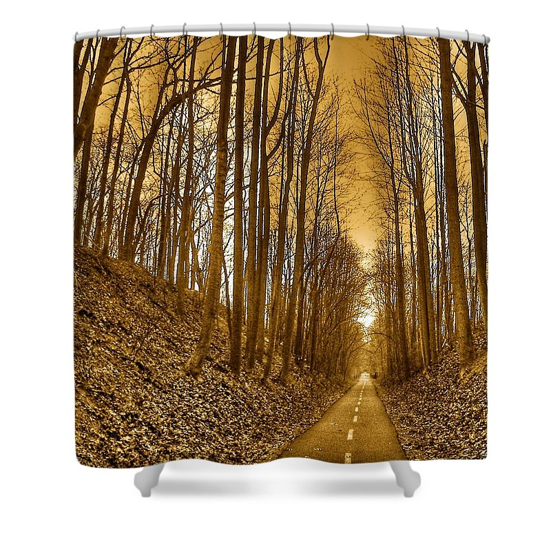 Landscape Shower Curtain featuring the photograph Horizon by Mitch Cat
