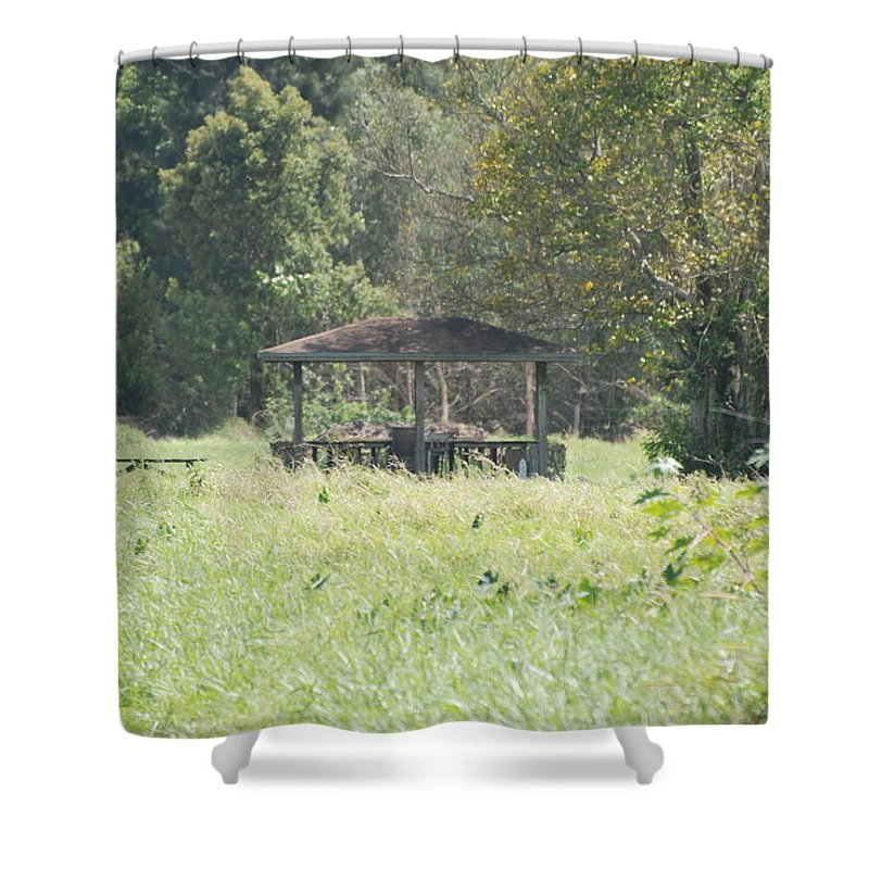 Grass Shower Curtain featuring the photograph Huppa In The Fields by Rob Hans