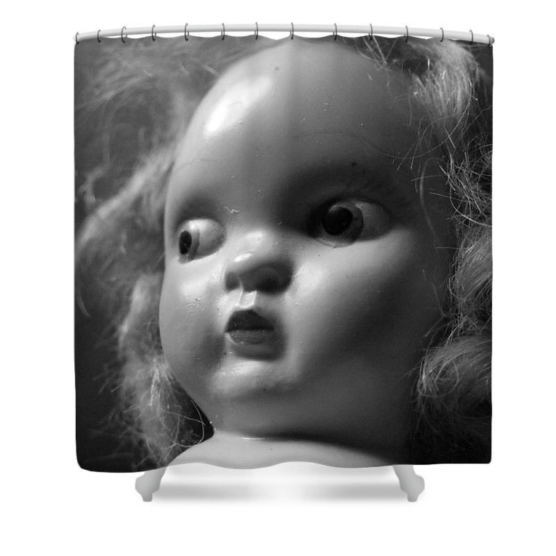 Hypnotized Shower Curtain featuring the photograph Hypnotized by Ed Smith
