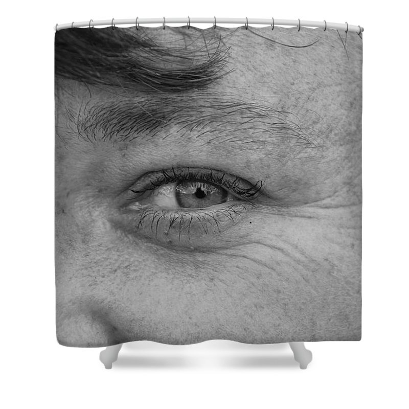 Black And White Shower Curtain featuring the photograph I See You by Rob Hans