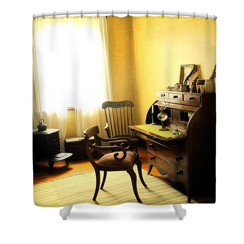 Antique Shower Curtain featuring the photograph I Will Be Right Back by Ian MacDonald