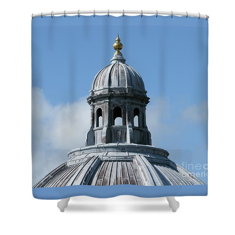 Oxford University Shower Curtain featuring the photograph Iconic Dome by Ann Horn