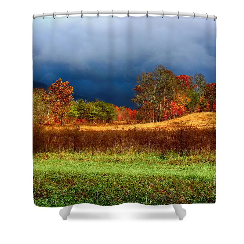 Landscape Shower Curtain featuring the photograph Incoming Storm by Geraldine DeBoer