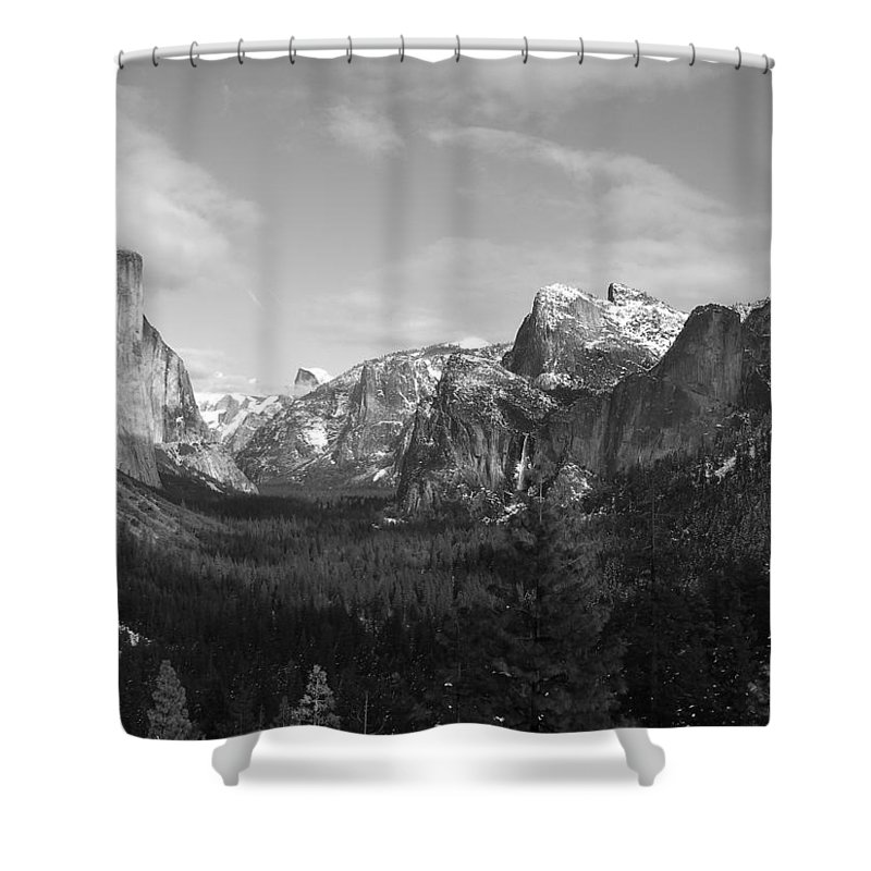 Yosemite Shower Curtain featuring the photograph Inspiration Point by Travis Day