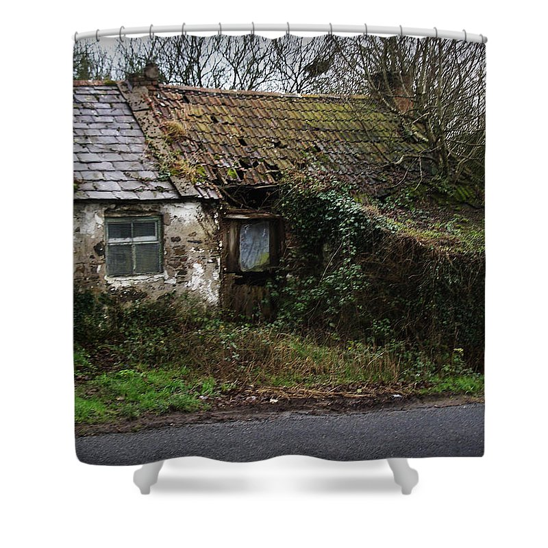 Hovel Shower Curtain featuring the photograph Irish Hovel by Tim Nyberg