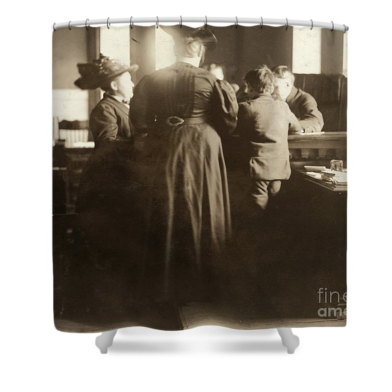 1910 Shower Curtain featuring the photograph Juvenile Court, 1910 by Granger