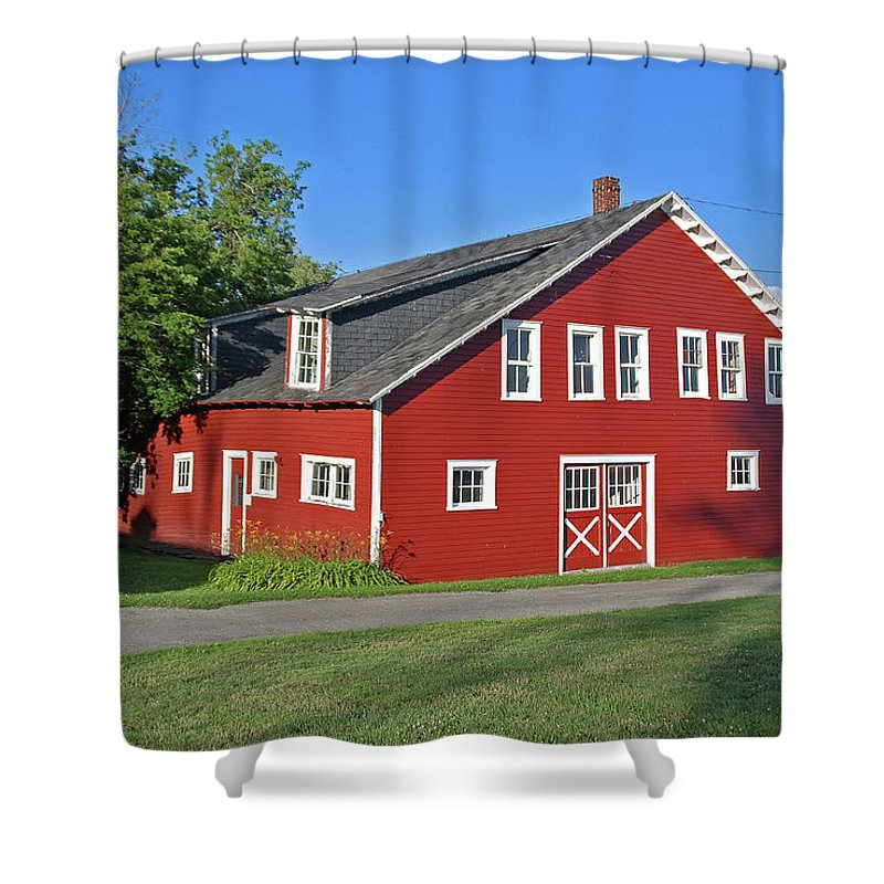 Barn Shower Curtain featuring the photograph Knox Farm 5138a by Guy Whiteley