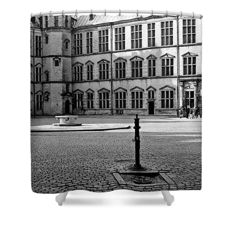 Hamlet's Castle Shower Curtain featuring the photograph Kronborg Castle Courtyard by Lee Santa