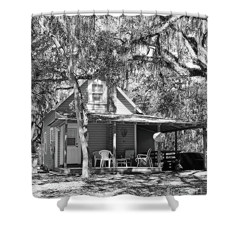 Southern Shower Curtain featuring the photograph Lake House Black And White by D Hackett