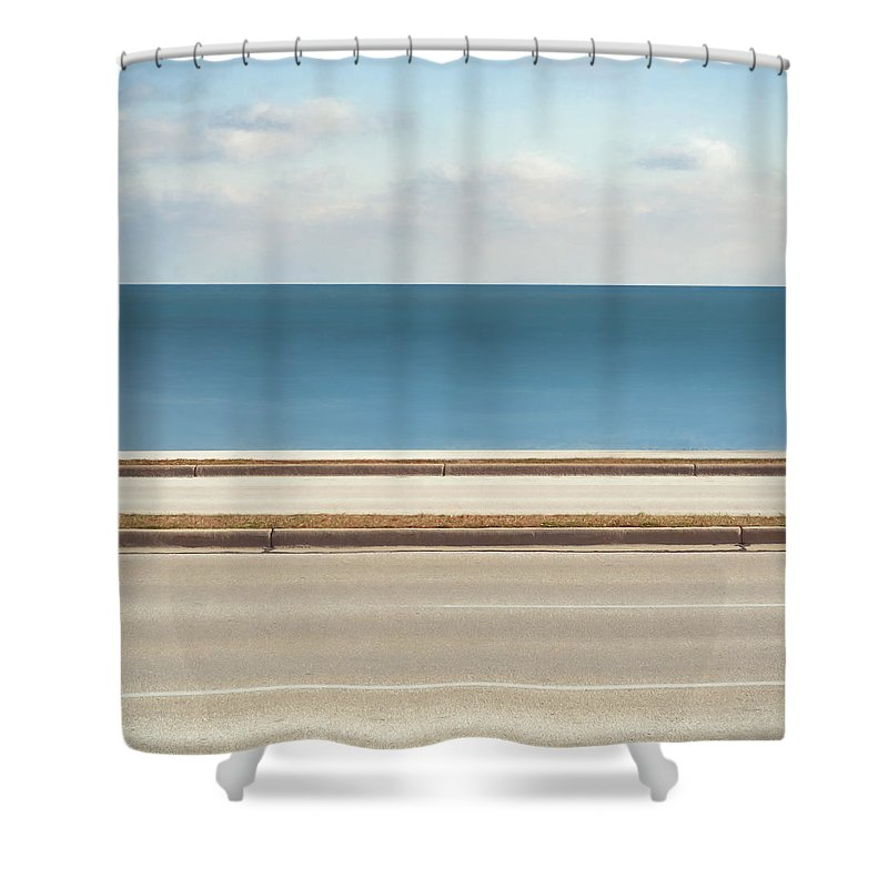 Scott Norris Photography Shower Curtain featuring the photograph Lincoln Memorial Drive by Scott Norris