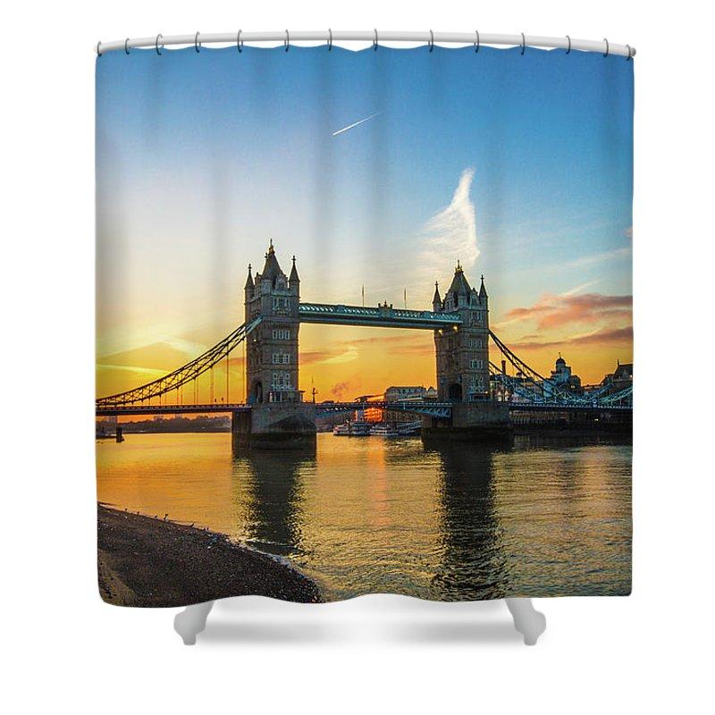 Bridge Shower Curtain featuring the photograph London Sunrise 2 by Robert Stasio