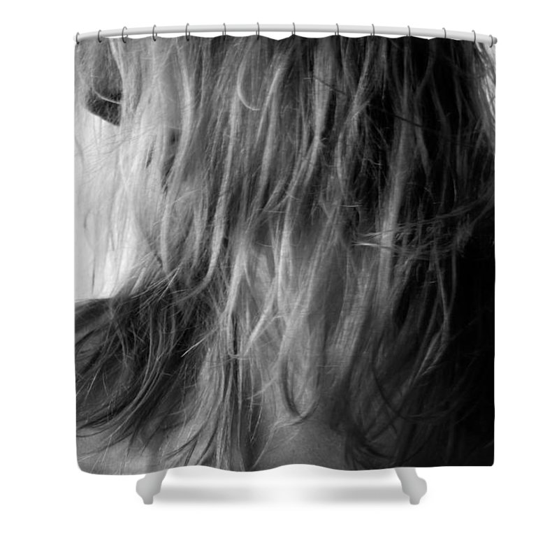 Blk And Wht Shower Curtain featuring the photograph Look by Jae Feinberg