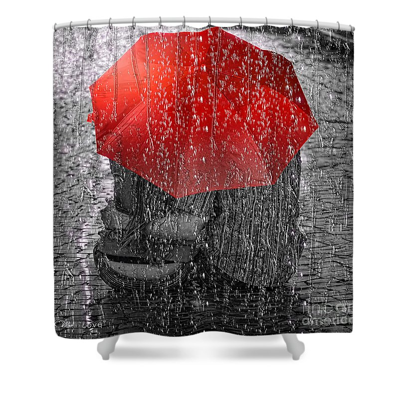 Mo Shower Curtains