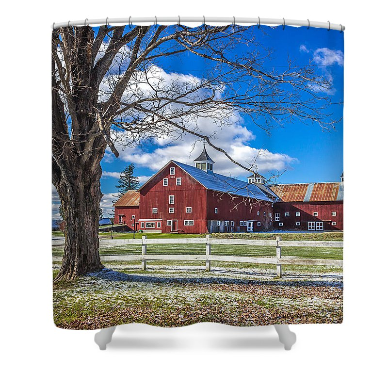 Barn Shower Curtain featuring the photograph Mountain View Barn by Tim Kirchoff