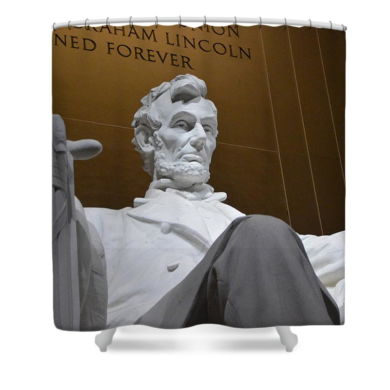Nations Capital Shower Curtain featuring the photograph Mr. Lincoln by Brian O'Kelly