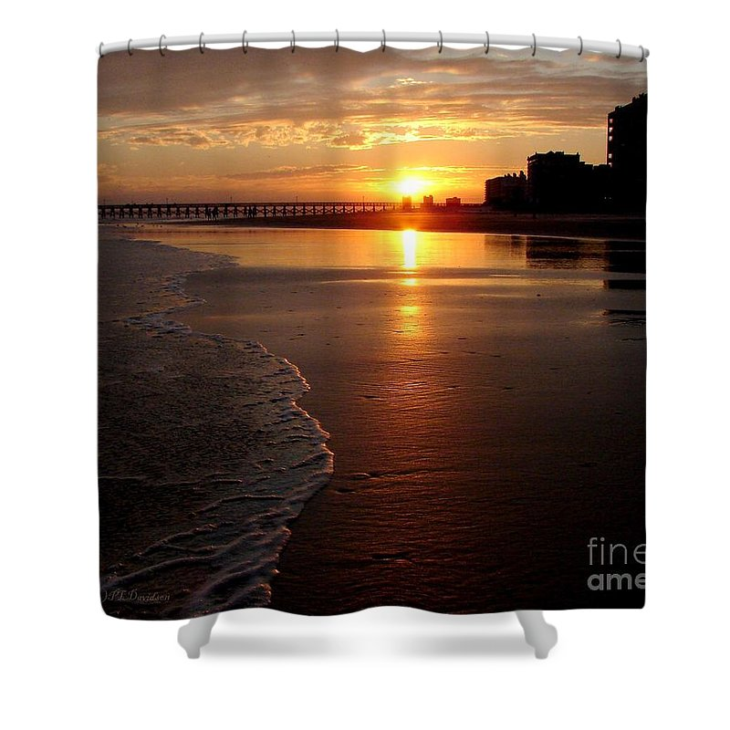 Sunset Shower Curtain featuring the photograph Myrtle Beach Sunset by Patricia L Davidson