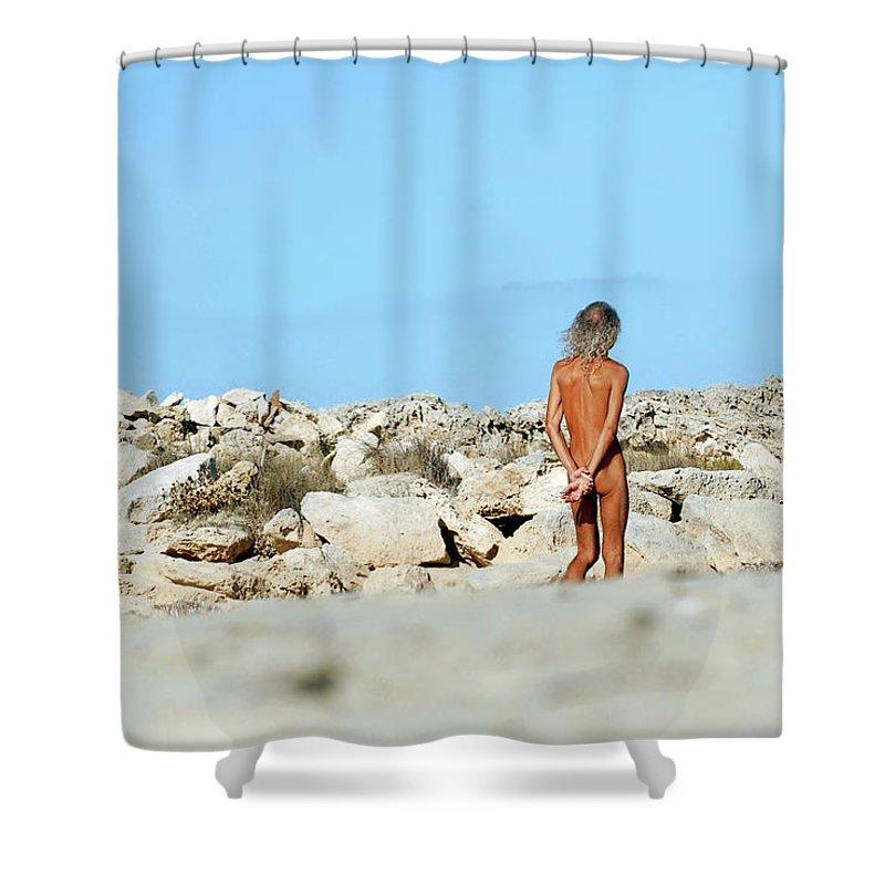 Shower naked beach Beach Voyeur
