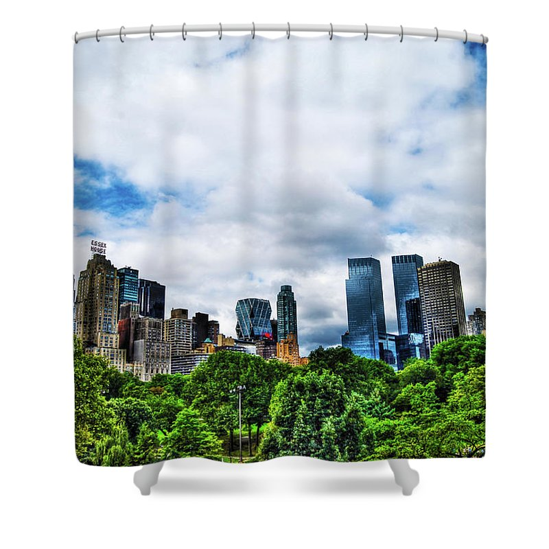 Manhattan Shower Curtain featuring the photograph Nature In Metropolis by Randy Aveille