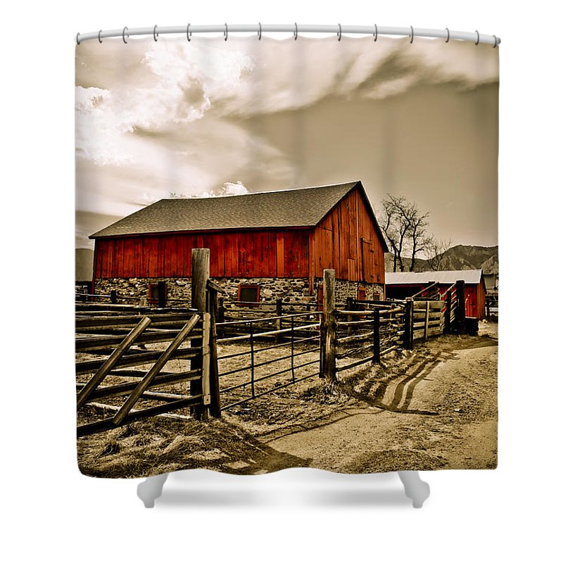 Americana Shower Curtain featuring the photograph Old Country Farm by Marilyn Hunt