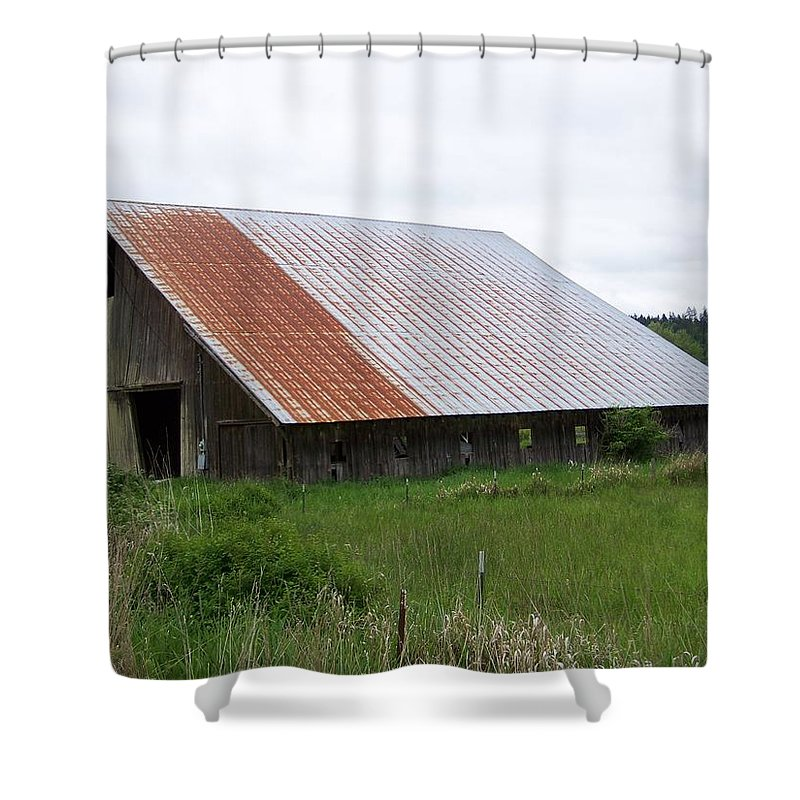 Barn Shower Curtain featuring the photograph Old Tin Roof Barn Washington State by Laurie Kidd
