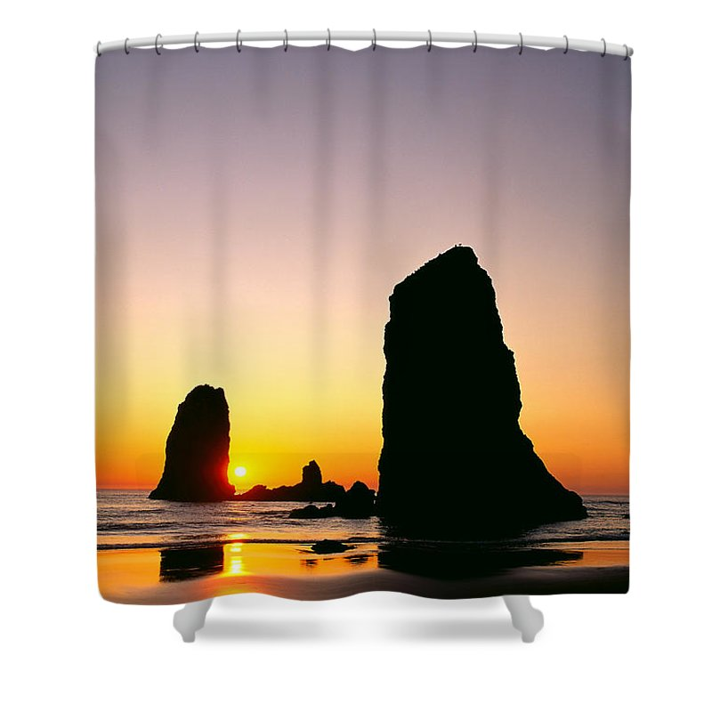 Calm Shower Curtain featuring the photograph Oregon, Cannon by Greg Vaughn - Printscapes