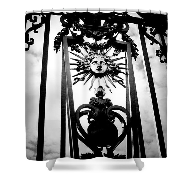 London Shower Curtain featuring the photograph Palace Gate by Amanda Barcon