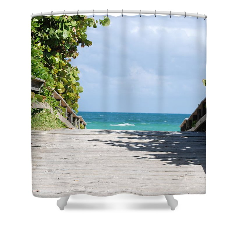 Sea Scape Shower Curtain featuring the photograph Path To Paradise by Rob Hans