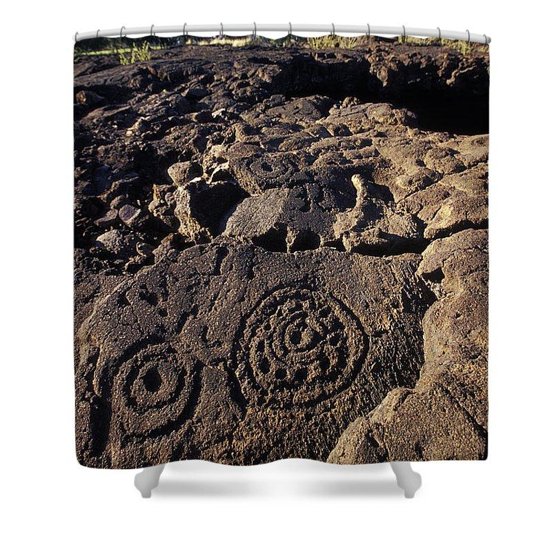 Petroglyphs Shower Curtain featuring the photograph Petroglyphs In Kalahuipuas Historic by Richard Nowitz