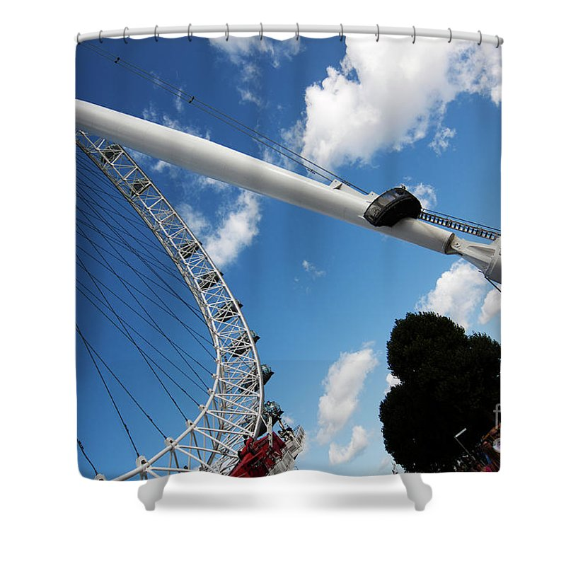 Pillar Shower Curtain featuring the photograph Pillar Of London S Ferris Wheel by Agusti Pardo Rossello