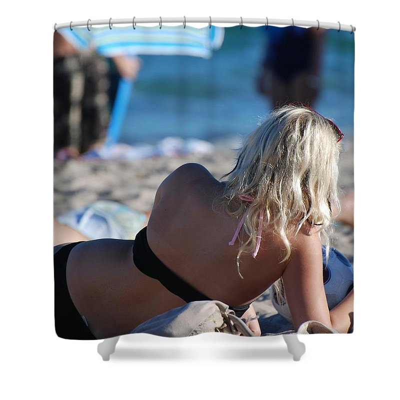Cards Shower Curtain featuring the photograph Poker At The Beach by Rob Hans