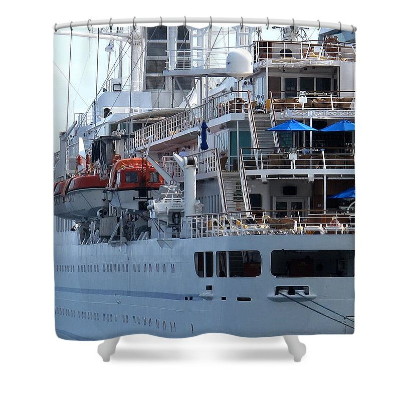 Ship Shower Curtain featuring the photograph Red And Blue by Ian MacDonald