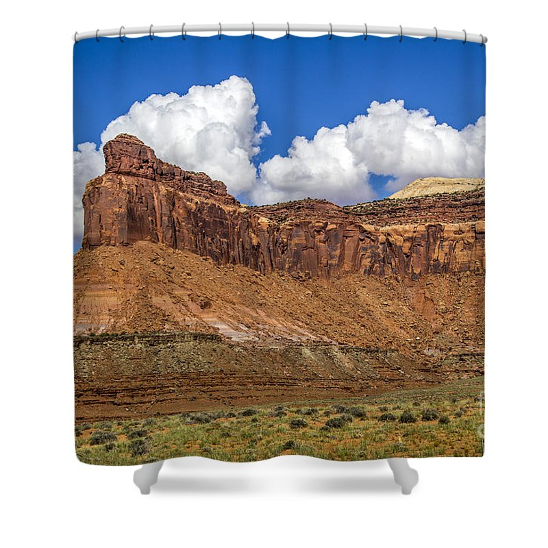 Needles Shower Curtain featuring the photograph Red Rock Rampart by Roberta Bragan