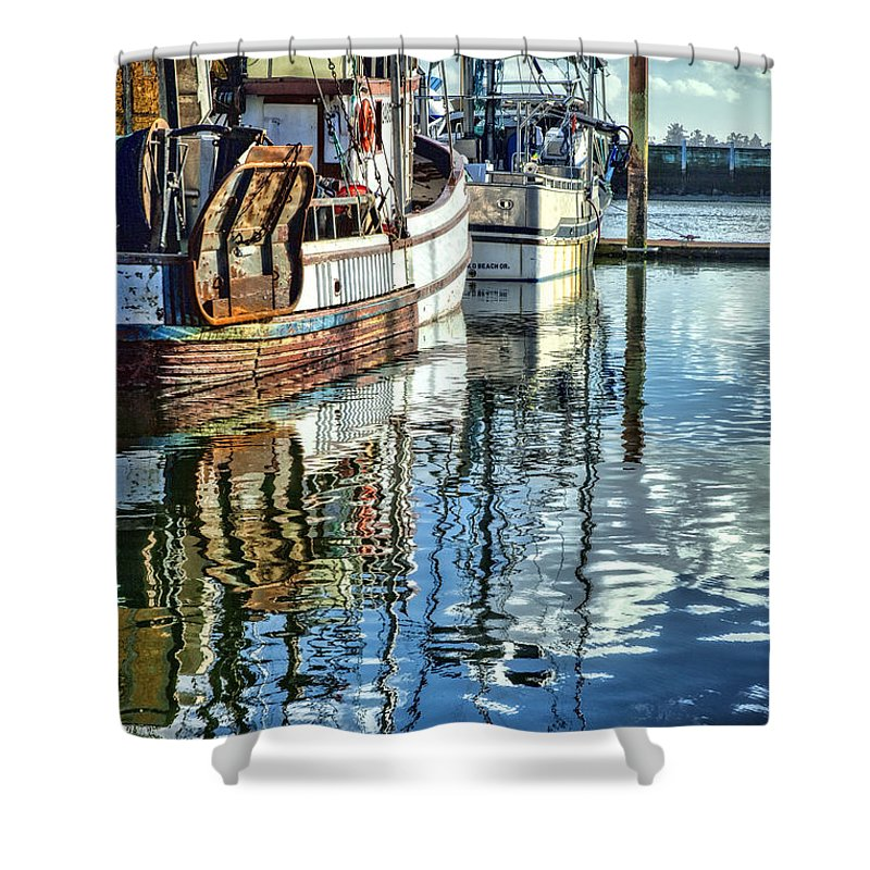 Yaquina Bay Shower Curtain featuring the photograph Reflections by Diana Powell