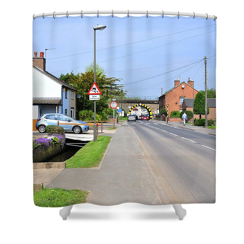 Spring Shower Curtain featuring the photograph Repton Road - Willington by Rod Johnson