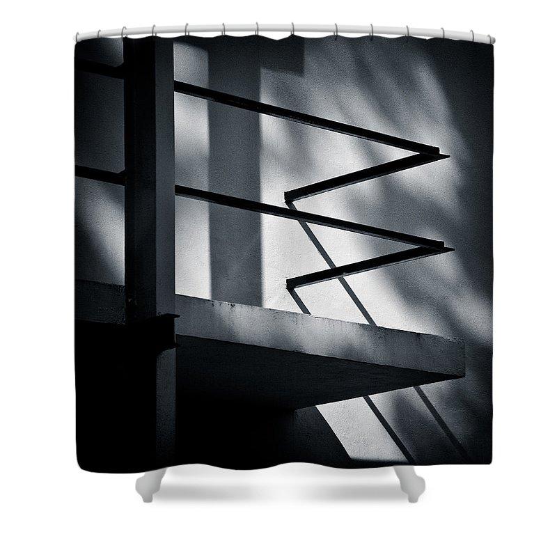 Rietveld Schroderhuis Shower Curtain featuring the photograph Rietveld Schroderhuis by Dave Bowman